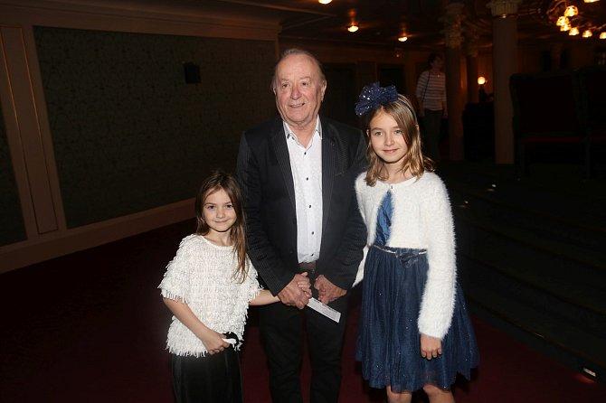 Petr Janda s dcerami