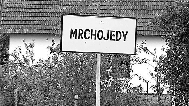 Původně byli Mrchojedy názvem pro osady, v níž bydleli lidé konzumující mršiny