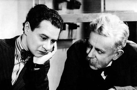 Cesta do hlubin študákovy duše režiséra Martina Friče z roku 1939 byla natočená v prostředí českého gymnázia