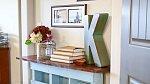 Nábytek z palet je originální, bytelný, levný a šetří místo.