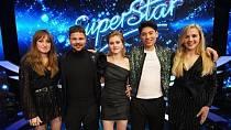 Barbora Piešová s dalšími finalisty Superstar