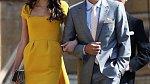 Clooney s manželkou na královské svatbě.