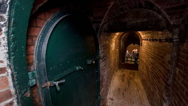 Pod Staroměstskou radnicí se dokonce skrývají stavby z doby vzniku Starého Města pražského