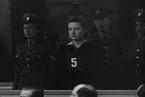 Dorothea Binz, dozorkyně smrti z Ravencbrücku. Byla odsouzena britským soudem ve věci Ravensbrück za spáchání válečných zločinů a odsouzena k trestu smrti.