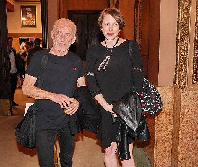 František Černý s partnerkou, která mu před dvěma lety porodila čtvrtého potomka.