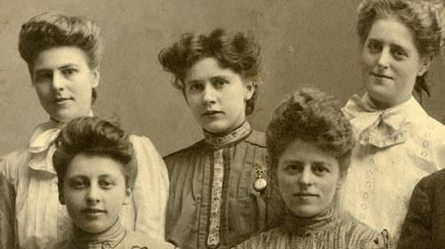 Historické fotografie prozradí mnohé o těžkém životě v minulosti