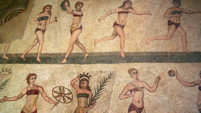 Starořímské spodní prádlo bylo výsadou pouze žen.