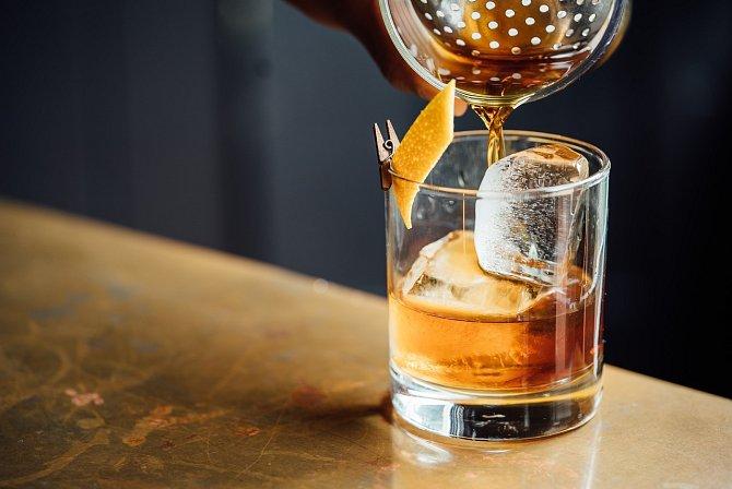Úmrtí dítěte často vede k alkoholu