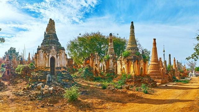 V srdci Myanmarské džungle se nachází více než 1000 pagod obklopené zelení
