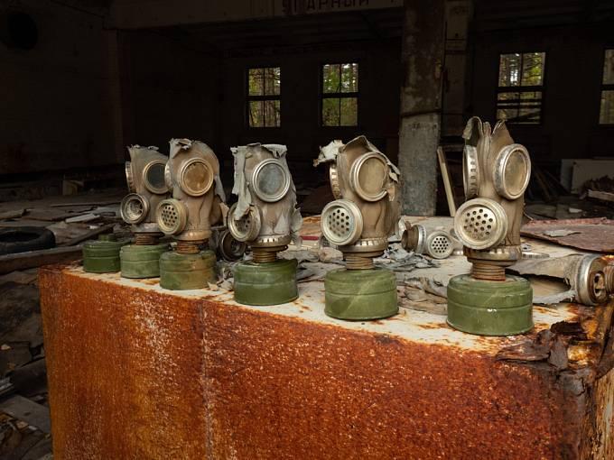Plynové masky v Černobylu