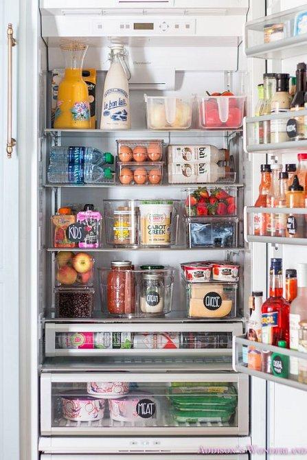 Potraviny musí mít dost místa nebo být v uzavřené krabičce.