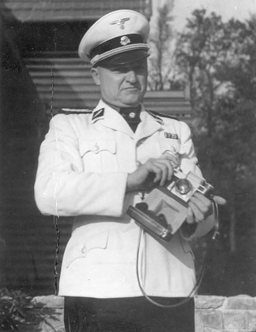 Karl-Otto Koch je znám především jako hlavní velitel koncentračního tábora Buchenwald.