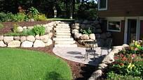 Kámen vypadá skvěle v zahradě každého typu.