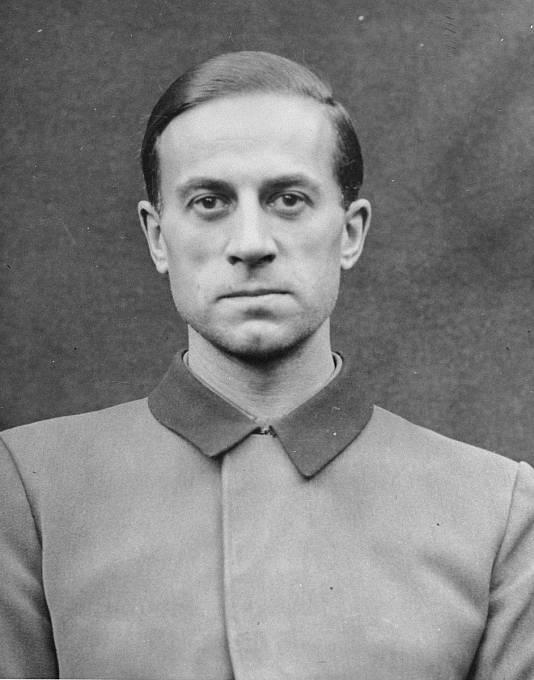 """Karl Brandt byl osobním lékařem Adolfa Hitlera. Byl strůjcem programu eutanazie, kterým se nacisté zbavili """"nepotřebných"""" obyvatel Říše."""