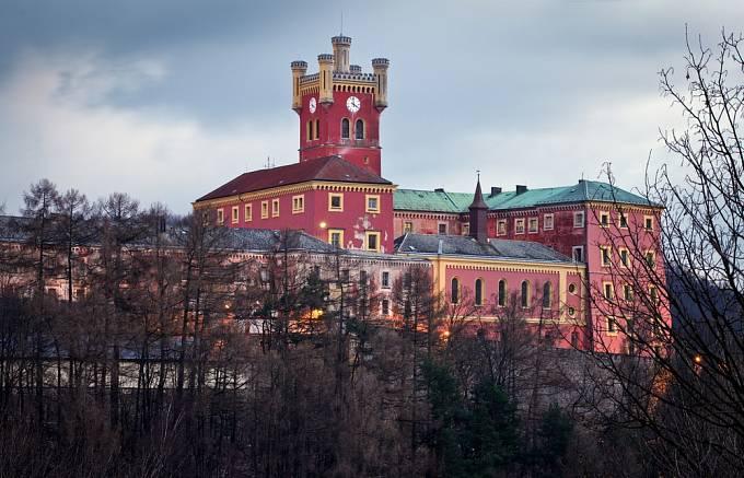Pobyl mimo jiné ve věznici na Mírově.