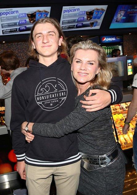 Leona Machálková má se synem velmi blízký vztah.