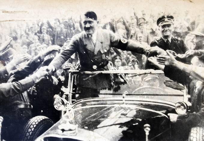 Hitler se snažil ukazovat vlídnou tvář.