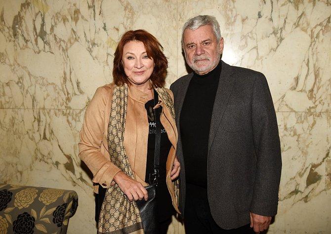 Zlata Adamovská je již potřetí vdaná, a to s hercem Petrem Štěpánkem.