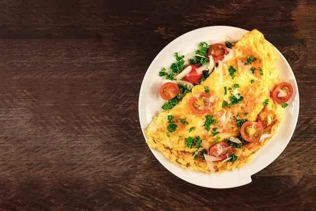 Tři vejce denně dnes vědci považují za bezpečné množství.