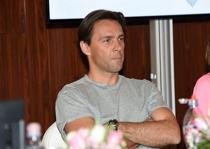 Do show Tvoje tvář má známý hlas se Roman Vojtek vrátil po čtyřech letech.