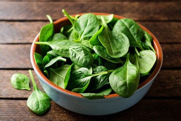 Vděčným zdrojem vitamínu K je listová zelenina.