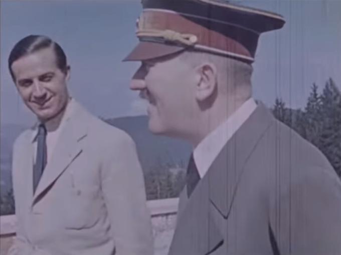 Dr. Karl Brandt a Adolf Hitler. Brandt byl osobním lékařem Hitlera od roku 1934.