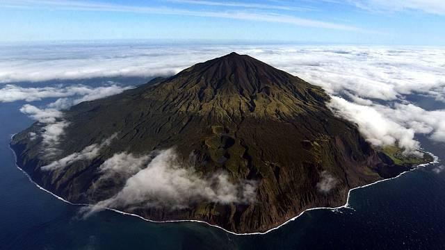 Vláda Tristan da Cunha vyhlásila ve svých vodách mořskou ochrannou zónu o rozloze 687 000 km čtverečních
