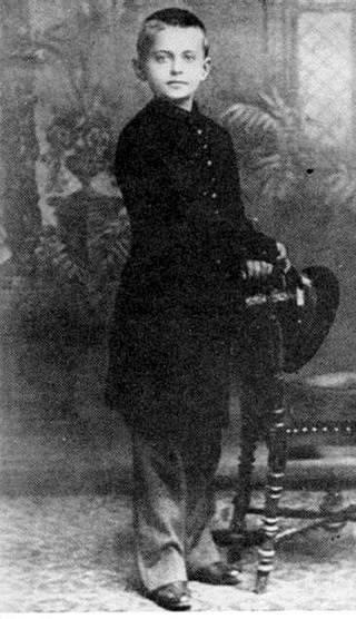 Lev Davidovič Bronštejn, později Trockij, jako malý chlapec