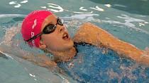 Podzimková se věnovala závodnímu plavání.