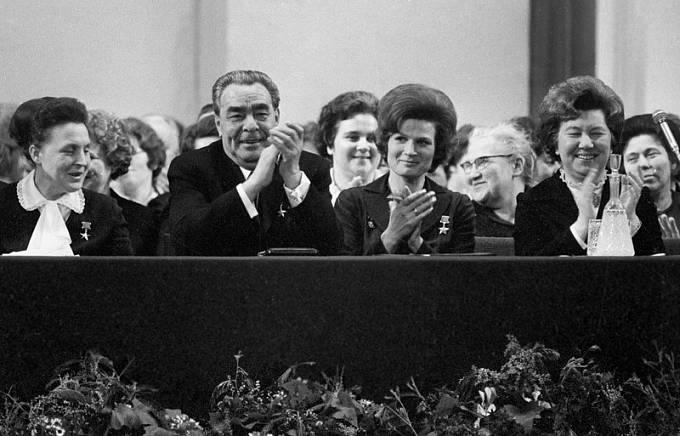 Brežněv na oslavě MDŽ v roce 1973