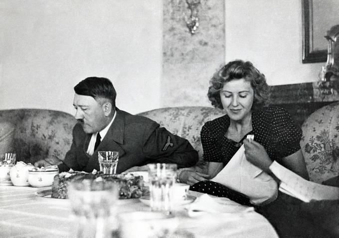 Na velkou společnost si Hitler nepotrpěl.