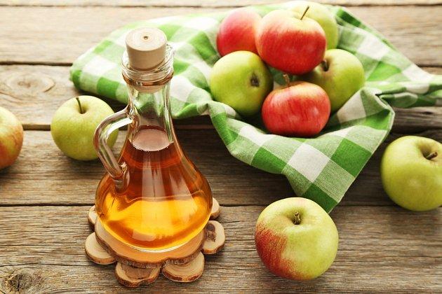 Jablečný ocet zmírňuje svědění a záněty.