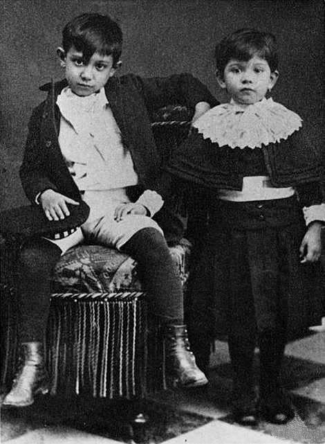 Osmiletý Pablo Picasso se sestrou Lolou.