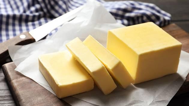 Domácí máslo má jedinečnou chuť.