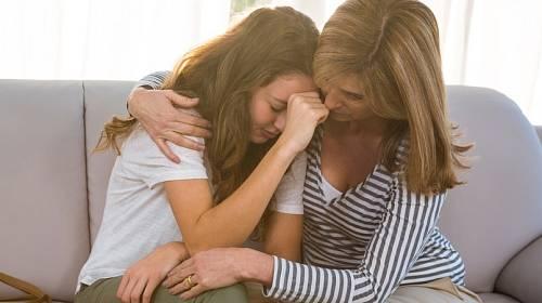 Dcera se nakonec sama rozhodla, že se vrátí k matce.
