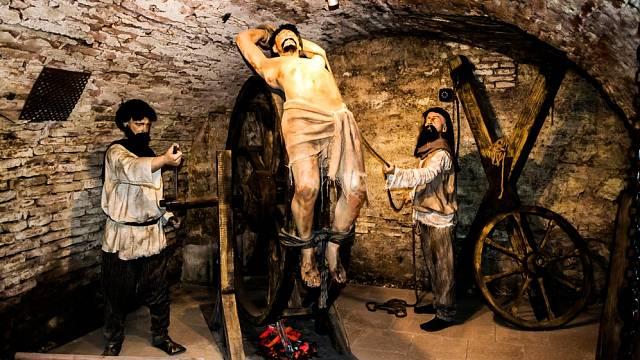 Vrazi se přiznali na mučidlech - ilustrační foto