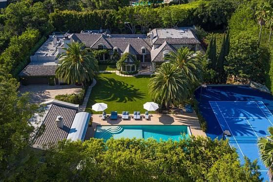 Justin Bieber shání nové bydlení. V hledáčku má bývalé sídlo Madonny.