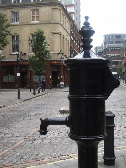Cholerová pumpa na Broad Street v londýnské čtvrti Soho.