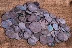 Za padělání mincí padaly vysoké tresty.