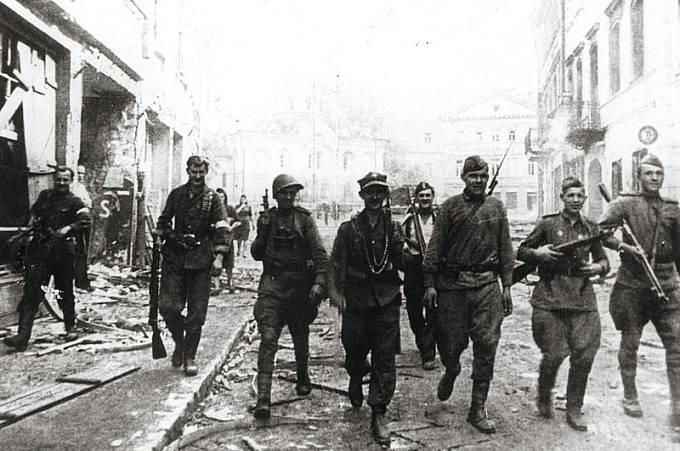 Nejvíce násilí na ženách se v 2. světové válce dopouštěli Rudoarmějci.