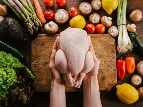 Jak naporcovat kuře?