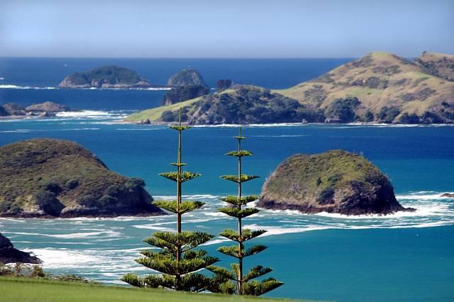 I když ostrov z turistického ruchu žije, dostat se na něj nebo z něj je trochu bojovka.