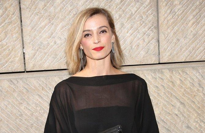 Ivana Jirešová bude v seriálu pokračovat jako barmanka Lucie.