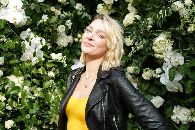 Modelka a herečka Victoria Jancke si nemůže spolupráci s Vojtou Kotkem vynachválit.