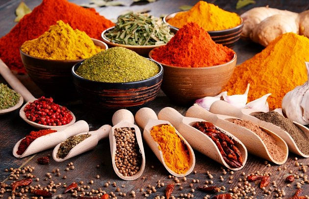Existují koření výraznější než sůl. Přitom zdraví neškodí.