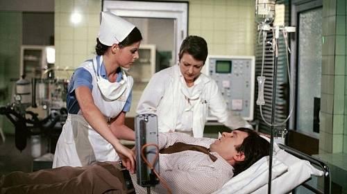 I když seriálem jako by proplouvala, ženy na ni žárlily a muži ji chtěli do postele