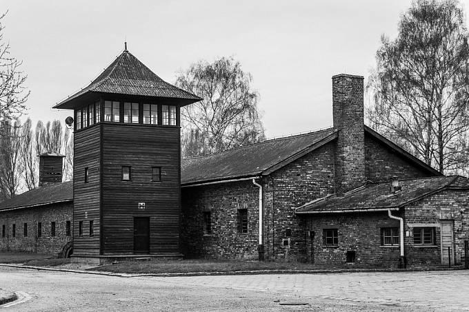 Koncentrační tábor Auschwitz I. Tábor během druhé světové války sloužil jako administrativní centrum celého táborového komplexu Auschwitz kolem města Osvětim.