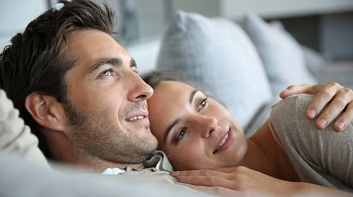 Těhotenství s bývalým přítelem jí kazí plány do budoucna.