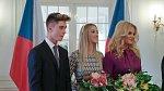 Monika Babišová s dětmi Vivien a Frederikem na novoročním obědě u prezidenta Miloše Zemana.