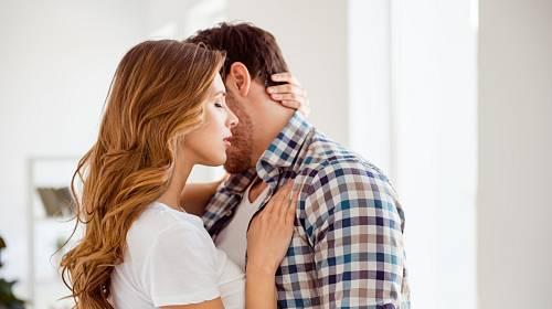 Tvrdil, že s manželkou už jsou spolu jen kvůli majetku.